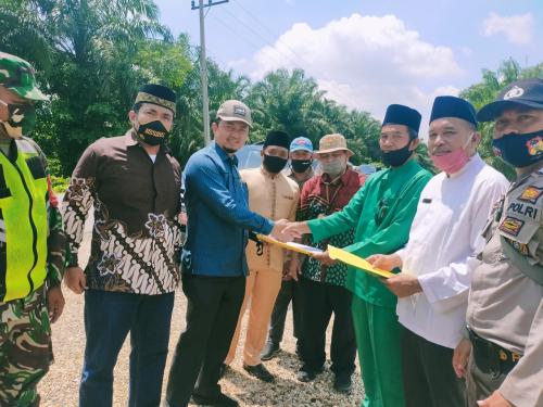 Abrasi Parah di Aliran Sungai Indragiri, Anggota DPR RI Bawa Kepala Balai Meninjau Lokasi