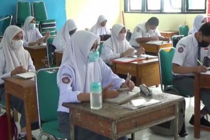 Prokes Ketat, Sekolah Tatap Muka Terbatas SMA/SMK di Riau Mulai Berjalan Hari Ini