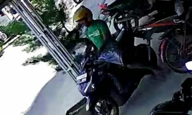 Pria Bermotor Rampas HP Bocah di Tembilahan, Terekam CCTV