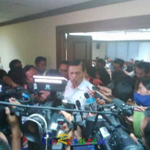Luhut: Awas, Ketahuan Gubernur Keluar Daerah lebih dari 6 Hari Saya Sikat
