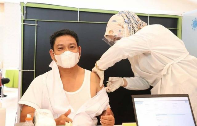 Putus Mata Rantai Penyebaran Covid-19, Anggota DPRD Riau Jalani Vaksinasi