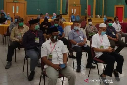 34 Bapaslon Pilkada Riau Ikut Tes Kesehatan dan Uji Usap Tenggorokan