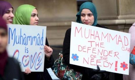 Islamfobia di Inggris, Siswi Muslimah 14 Tahun Dipukul Berkali-kali dalam Bus