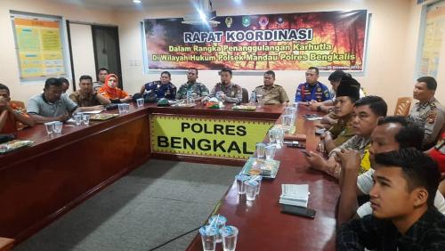 Wujudkan Bengkalis Bebas Asap, Polsek Mandau Gelar Rakor dan Camat akan Hukum Desa tak Peduli Karlahut