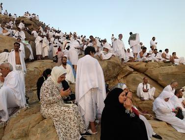Jamaah Haji Penuhi Jabal Rahmah, Ini Penampakannya