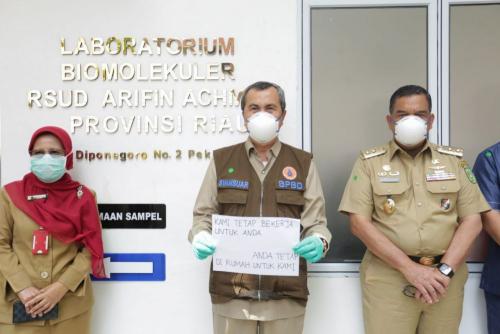 Tambah 1.745 Sampel, Laboratorium Biomolekuler RSUD Arifin Achmad Pekanbaru Telah Periksa 32.913 Spesimen Swab