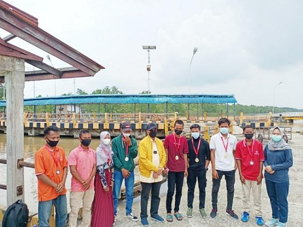 Tiba di Pelabuhan Buton, Gubri Syamsuar Temui Atlet SOIna Meranti