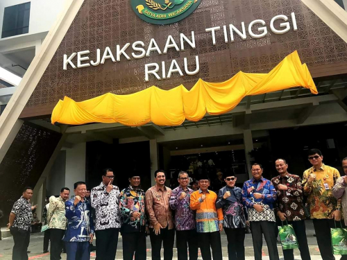 Bupati Mursini Hadiri Peresmian Gedung Kejati Riau