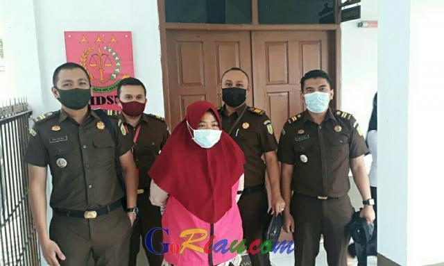 Putusan Kasasi 3 Tahun Penjara, Kejari Pelalawan Eksekusi Mantan Bendahara Sungai Solok