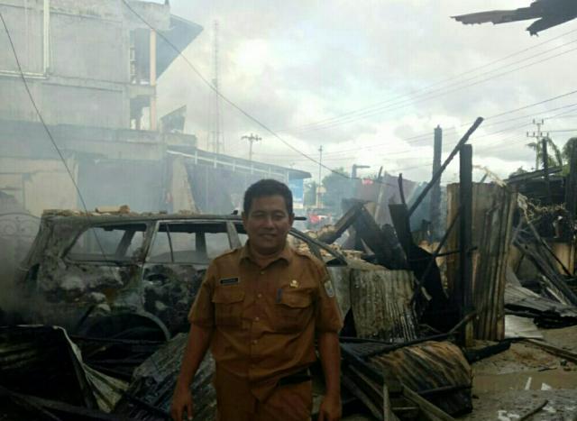 Diduga Korsleting Listrik, Rumah dan Mobil di Bandar Sekijang Pelalawan Hangus Terbakar