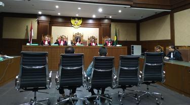 Dituntut Jaksa KPK 8 Tahun Penjara, 2 Hakim Penerima Suap Hanya Divonis 4,5 Tahun Bui