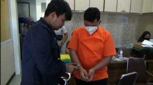 Peras Warga Pekanbaru dengan Ancaman Sebarkan Video Call, Oknum Mahasiswa Pascasarjana di Padang Ditangkap Polisi