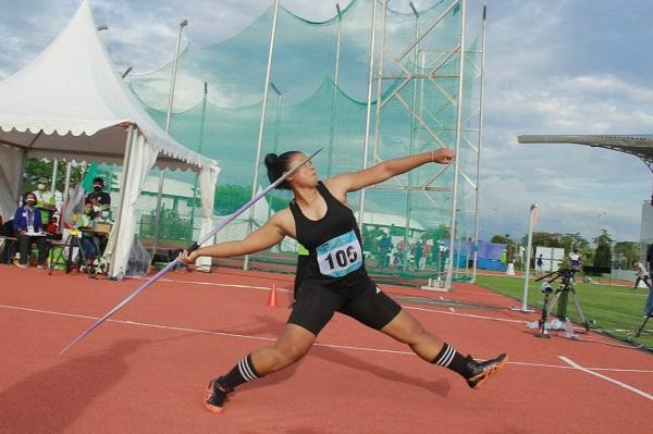 Atina Nur Kamil Bikin Kejutan