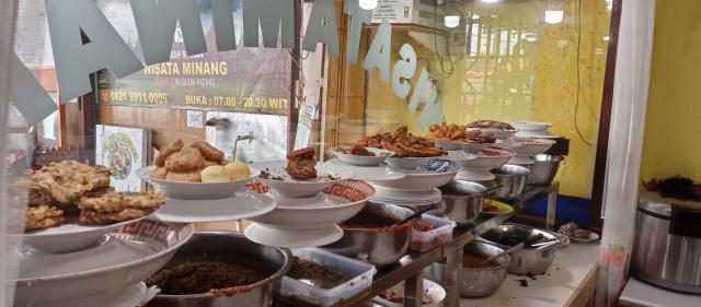 Banyak Masakan Padang di Papua, Segini Loh Harganya