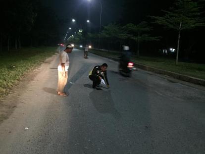 Jatuh di Jalan Bergelombang, IRT di Pekanbaru Tewas Setelah Kepala Terlindas Truk