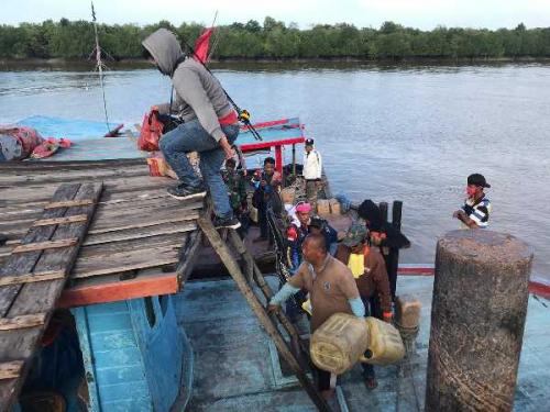 Mesin Kapal Rusak, 16 Pemancing Terombang-ambing di Perairan Panipahan Semalaman