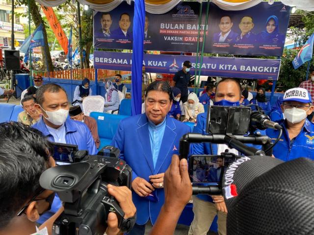 Buktikan Demokrat Berkoalisi dengan Rakyat, Achmad Gelar Vaksinasi di Bengkalis, Ajak Warga Terapkan 5M + 1D