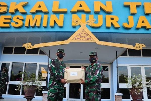 Juara III Vlog TNI, Letkol M Zukri Terima Penghargaan dari Kadispen AU