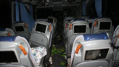 Bus Bermuatan 51 Penumpang Terjun ke Sungai, 13 Orang Hilang