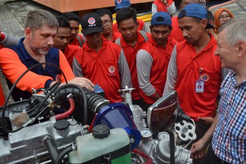 Empat Instruktur Rusia Latih Petugas Pemadam Karhutla Riau
