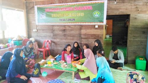 Mahasiswa Kukerta Universitas Riau Sosialisasikan Pembuatan Nugget Ikan Lele di Desa Lukun
