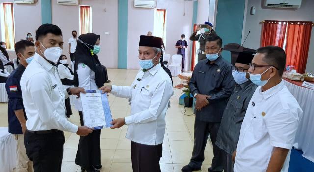Serahkan SK CPNS Kepulauan Meranti Formasi 2019-2020, Ini Pesan Wabup Said Hasyim