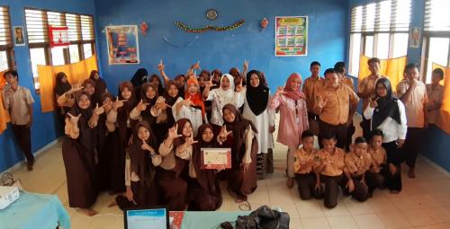 Fikom UIR Taja Seminar Literasi Digital bagi Siswa SMPN 3 Kampar