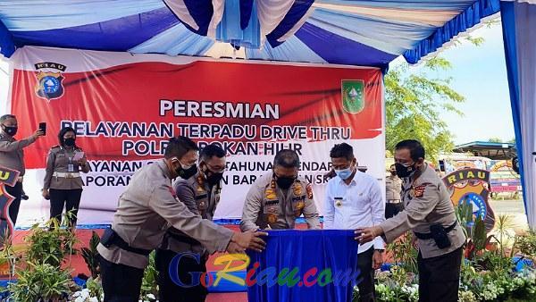Kapolda Riau Resmikan Layanan Drive Thru Terpadu di Mapolres Rohil, Ini Manfaatnya..