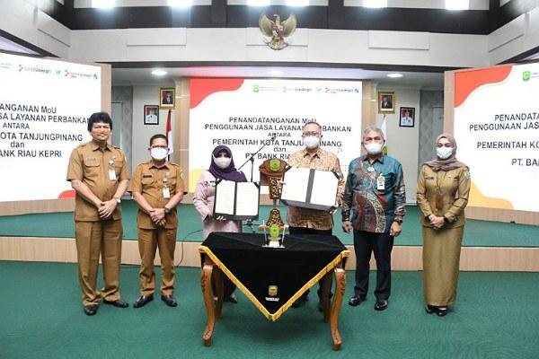 Wako Tanjungpinang Tandatangani MoU dengan Bank Riau Kepri Terkait Jasa Layanan Perbankan