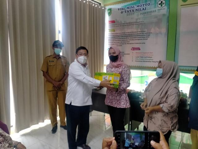 Dukung UMKM, Marwan Yohanis Bawa Masyarakat Jalani Pelatihan Pembuatan Kemasan di Indragiri Hulu