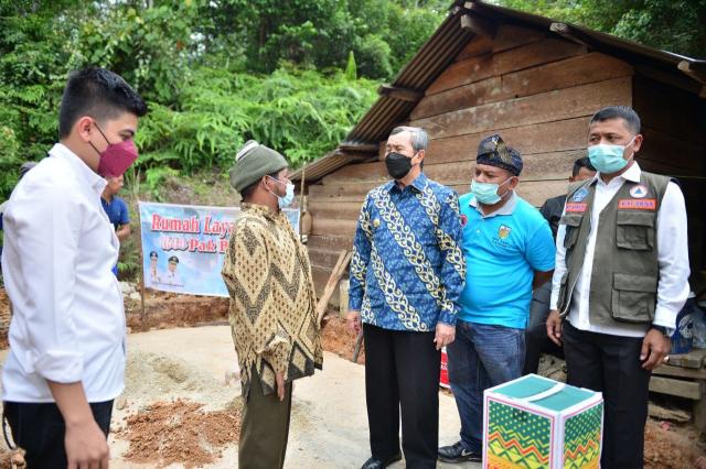 Terima Bantuan Rumah Layak Huni dari Gubernur Riau, Burhan Merasa Mimpi