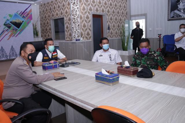 Pjs Bupati Siak Ikuti Rakor Sinergitas Kebijakan Pemerintah Pusat dan Pelaksanaan Regulasi Omnibus Law