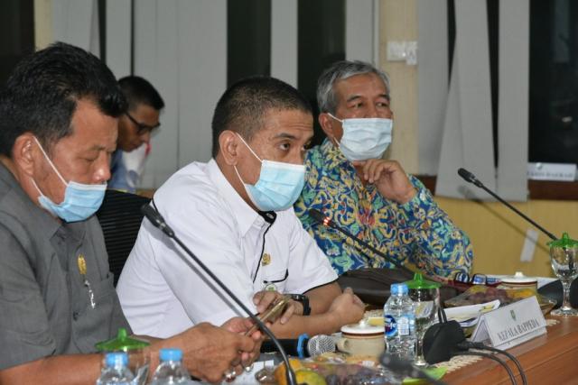 Kegiatan SID Pengaman Pantai Terluar Provinsi Riau, Bappeda Gelar Pertemuan Konsultasi Masyarakat