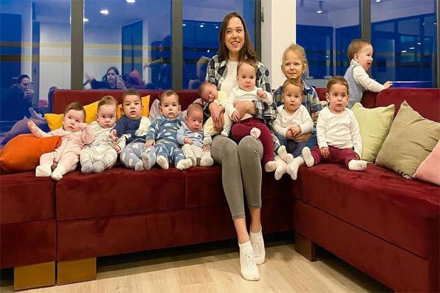 Usianya Baru 23 Tahun, Wanita Cantik Ini Sudah Miliki 11 Anak, Begini Ceritanya