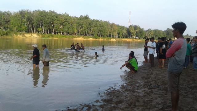 Pagi Ini, Pencarian Bocah Tenggelam di Sungai Kuantan Dilanjutkan