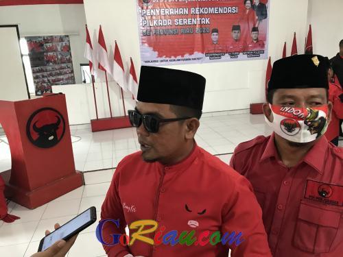 Zukri Ingatkan Semua Paslon yang Didukung PDIP Pakai Masker Merah saat Sosialiasi