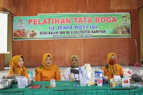 Gelar Pelatihan Tata Boga, Wakil Ketua IKKD: Kualitas Masakan Penentu Kepuasan dan Kebahagian Keluarga
