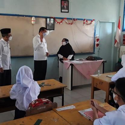 Tinjau Sekolah Tatap Muka, Wali Kota Pekanbaru: Kesehatan Siswa Harus Terjaga
