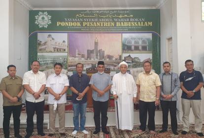 Saat Jokowi Teken Perpres Dana Abadi Pesantren, Sekjend Gerindra Kunjungi Sahabat Lamanya yang Pimpinan Ponpes