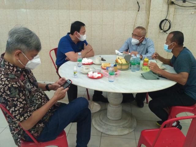 Ngopi Bareng Ahok, Andi Rachman Lobi Kuota Vaksin yang Lebih Besar untuk Riau