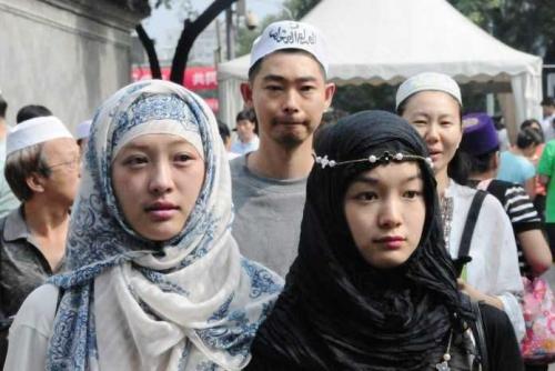 China Larang Muslim Uighur Berpuasa dan Shalat, Bila Melanggar Dikirim ke Kamp Penahanan