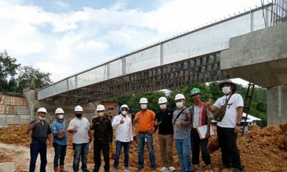 Proses Pembangunan Jembatan Tambak-Bakung di Pelalawan Capai 80 Persen