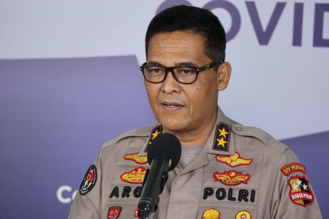 Lalai Tegakkan Prokes, Kapolda Metro Jaya dan Jabar Dicopot