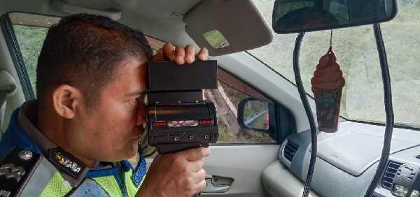 Mulai Sekarang, Kendaraan yang Melewati Tol Pekanbaru-Dumai Dipantau Pakai Speed Gun, yang Melanggar Langsung Ditilang