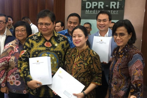 RUU Cilaka Hapus Upah Minimum Kabupaten/Kota