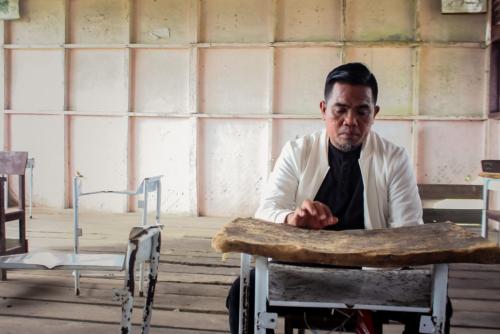 Zukri Ceritakan Kondisi Satu-satunya SD di Teluk Beringin, Bangunannya Reok Hingga Meja Tak Bisa Dipakai Menulis