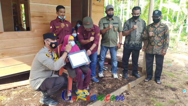 Kolaborasi RCommunity, PWI dan Polsek Tebingtinggi Barat, Rumah Baru Mbah Sukini Siap Dihuni