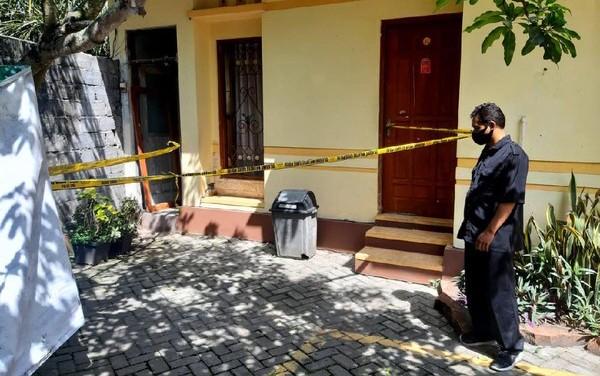 Gadis Remaja Berseragam Pramuka Tewas dalam Kamar Hotel