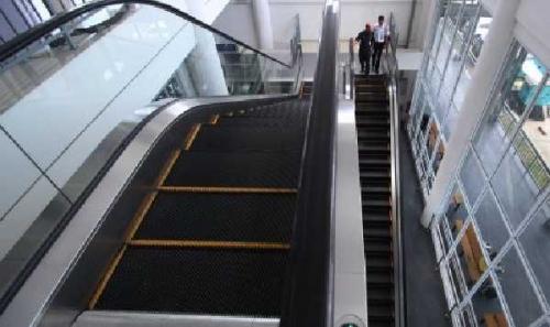 Gedung DPRD Riau akan Dipasangi Eskalator Senilai Rp 8,5 Miliar