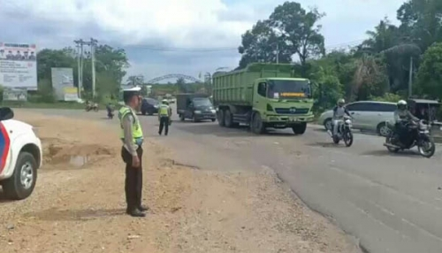 Hati-hati di Lintas Pekanbaru - Bangkinang, di Wilayah Batu Belah Berpotensi Kecelakaan